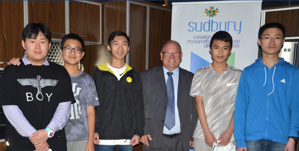 Mayor Bigger with international students